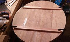 Начата работа на потолочной люстрой