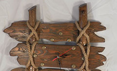 Закончены настенные деревянные часы (фото)